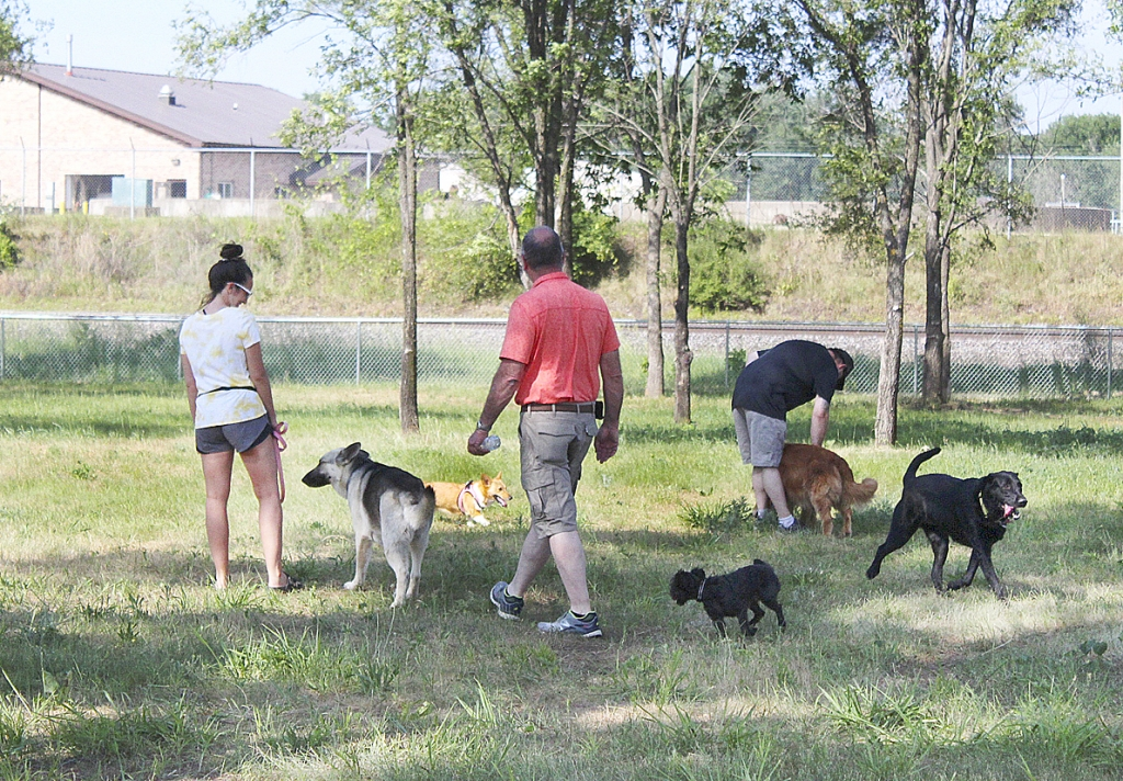By Correne MartinPrairie du Chien's newest park officially opened Saturday for energetic patrons of the four-legged variety to run off-leash.The PdC Dog Park is located off the Highway 18 Bypass by the Campion Street Boat Landing.The city purchased the property from...