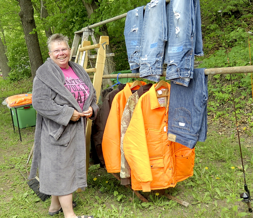 Rummage Along the River is a 70-mile garage sale that winds along Highway 35, from 8 a.m. to 4 p.m. Friday, May 14 and Saturday, May 15. Stoddard, Genoa, the Bad Axe, Victory, De Soto, Ferryville and Lynxville are the river towns, and then you swing up County E to Highway 27 to Seneca and Mt....