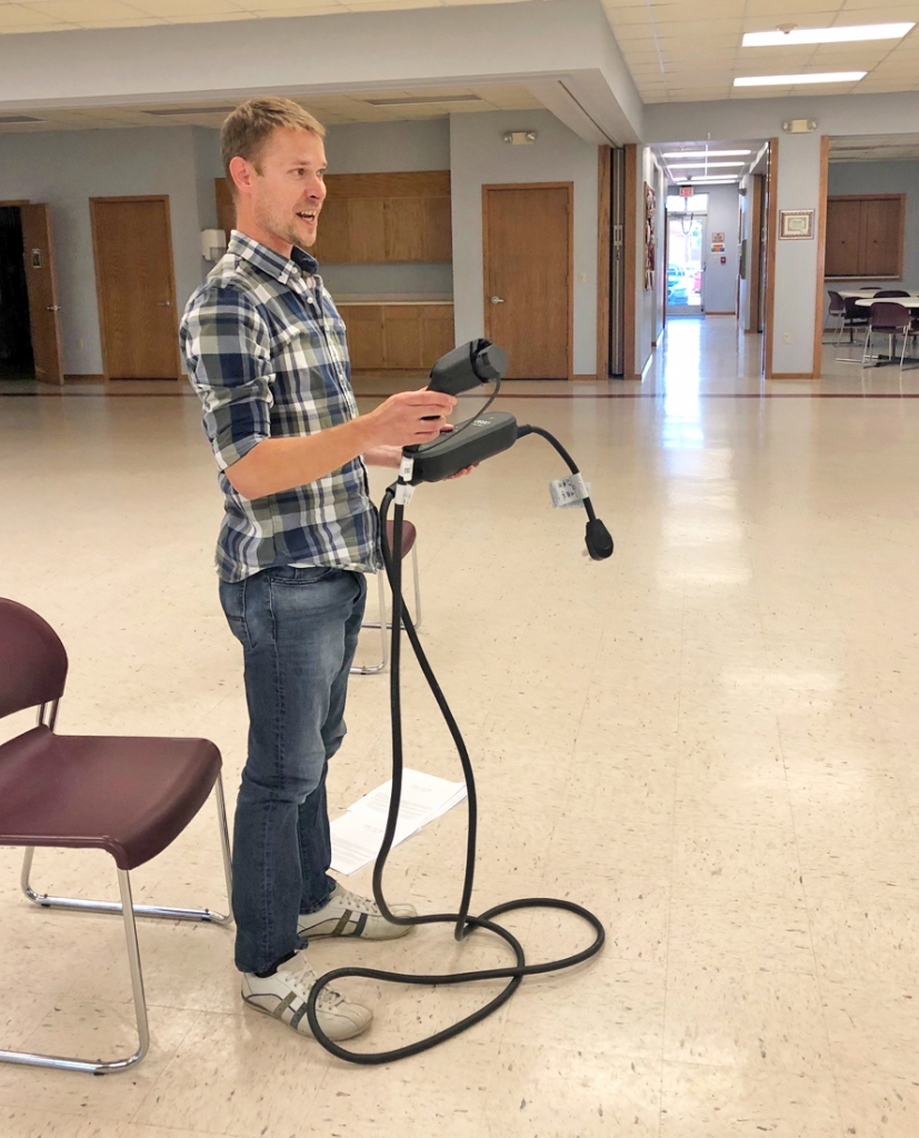 By Audrey Posten, Times-RegisterA Monona resident has proposed an electric vehicle (EV) charging alternative he said could be cheaper and more efficient than stations currently being installed in other Clayton County communities.Grant Langhus, who shared the idea at the Sept. 7...